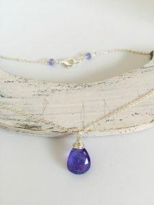 Collar en plata y tanzanita, Brioletta Joyería Artesanal con gemas