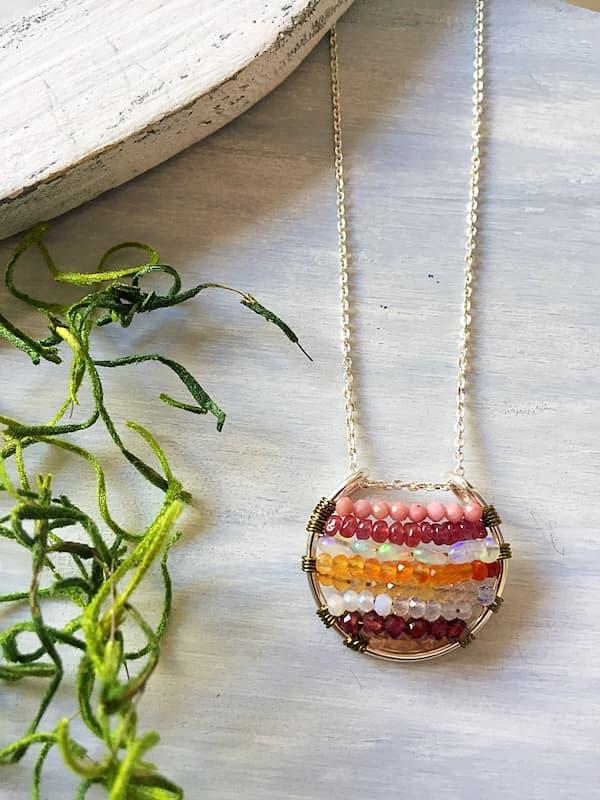 Dije elemento fuego, Brioletta Joyería Artesanal con gemas
