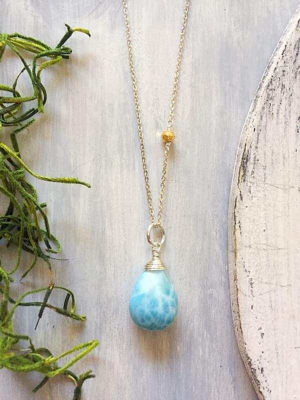 Collar en plata, larimar y pirita, Brioletta Joyería Artesanal con gemas