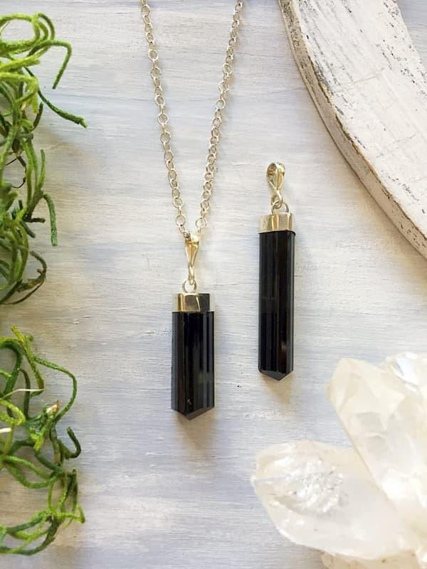 Turmalina negra y plata 925,  Brioletta Joyería Artesanal con gemas
